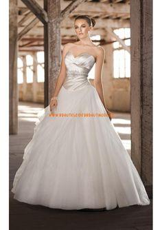 Schlichte liebste Brautmode weiss aus Organza und Satin Ballkleid
