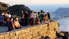 Tourisme Kaapstad - Tourisme is een van de grootste inkomstenbronnen voor Kaapstad. Logisch; Kaapstad is een must op je bucketlist. Mount Rushmore, Mountains, Nature, Travel, Naturaleza, Viajes, Destinations, Traveling, Trips