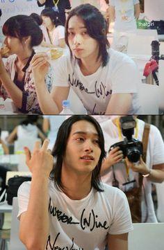 Chansung long hair <3  eeee he looks like general shang from Mulan <3<3<3