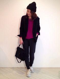 uniqlo black tailored collar jacket knit tops purple pink japan japanese blogger outif coordinate styling stlye Trousers tapered sarouel pants sneaker converse off white knit cap プチプラコーデ術 yoko ブログ ニット / 去年のユニクロ カシミアボートネック スウェット / ユニクロ 手に持ったジャケット / ユニクロ ニット帽 / 夫の チェーンネックレス / 手作り #ootd coordinate style styling コーデ コーディネート コンバース キャンバス スニーカー ハイカット ローカット 白 ホワイト white 黒 ブラック black