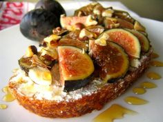 I actually screamed with delight when I saw this - ricotta, fig, and honey tartine!
