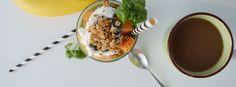 Leckeres Green Smoothie-Breakfast Rezept. Durch die Kombination Smoothie, Müsli und geschnittenem Obst, eignet sich das Smoothie-Breakfast ideal für ein gesundes Frühstück oder Snack zwischendurch.…