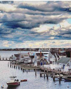 "92 mentions J'aime, 4 commentaires - Nantucket Photos (@nantucketphotos) sur Instagram : ""Nantucket from the heavens. Photo: @joshbradfordgray"""