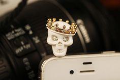 Funny skull dust plug,iphone dust plug,earphone plugs,phone charm cell phone charm,iPhone plug Dust Plug, Locket Charms, Cute Cases, Iphone Accessories, Miniture Things, Plugs, Iphone Cases, Tech, Skeletons