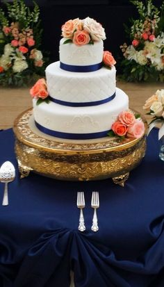 Love Wedding Cakes Navy and coral wedding cake. I usually like wedding cakes plain and white but this is super classy! Blue Coral Weddings, Navy Blue Wedding Theme, Navy Blue Wedding Cakes, Peach Wedding Colors, Wedding Flowers, Wedding Coral, Spring Wedding, Orange Wedding, Wedding Bridesmaids