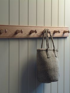 These Oak Peg Rails are perfect for coat hooks in the hallway or laundry sacks on the landing. However you decide to use them these rails will add a warm, natural, country house feel to your home. Estilo Shaker, Coat Pegs, Hat Storage, Storage Ideas, Storage Solutions, Tongue And Groove Panelling, Hallway Storage, Iron Shelf, Long Hallway