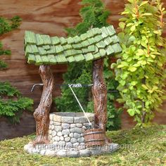 Miniature Fairy Garden Wishing Well ** You can find more details by visiting the image link. (This is an affiliate link) Mini Fairy Garden, Fairy Garden Houses, Lawn And Garden, Fairy House Crafts, Violet Garden, Bird Bath Fountain, Tile Crafts, Fairy Doors, Miniature Fairy Gardens