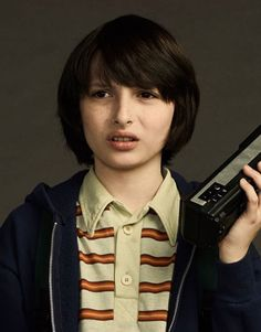 really these are very cool photos ❣️ Finn Stranger Things, Stranger Things Have Happened, Stranger Things Season, Stranger Things Characters, Cool Photos, My Photos, Todays Mood, Don T Lie, Actors & Actresses