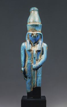 Fayencefigur Ramses II. als Falkengott. Regierungszeit Ramses II. (1279–1213 v. Chr.), Fundort unbekannt, Fayence. © Basel, Antikenmuseum und Sammlung Ludwig,  Foto: Rudolf Habegger
