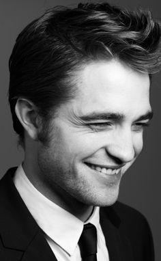 Robert Pattinson my celebrity crush Edward Cullen Robert Pattinson, Robert Pattinson Twilight, Beautiful Boys, Gorgeous Men, Bella Y Edward, 3 4 Face, Robert Douglas, Portraits, Comme Des Garcons