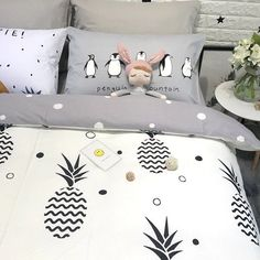 Hipster Gray Black and White Pineapple Print Preppy Style Unique Twin, Full Size Bedding Sets for Boys Twin Bedroom Furniture Sets, Boys Bedroom Sets, Bedroom Sets For Sale, Guest Bedrooms, White Bedding, Bedding Sets, Two Twin Beds, Black Bed Linen, Pineapple Print