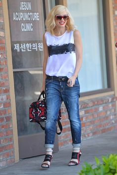 Gwen Stefani shows us all how to rock boyfriend jeans like nobody's business. All hail the fashion queen!