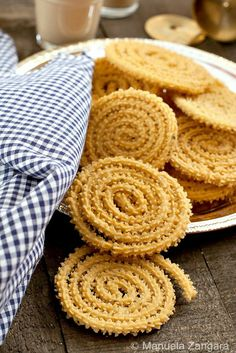 Murukku - Chakali, OMG Deepa from work makes these and they are so very good. Addicting! Dangerous!