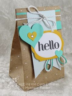 Pacchetto con sacchetto craft e decorazioni. CASE-ing the Catty: CASE-ing the Catty Challenge - Gift and Packaging Creative Gift Wrapping, Creative Gifts, Pretty Packaging, Gift Packaging, Decorated Gift Bags, Little Presents, Diy Gifts, Handmade Gifts, Paper Gifts