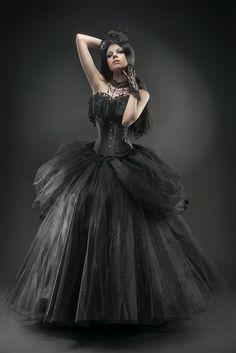 For the beautiful vampire gothic bride m/ Gothic Girls, Dark Fashion, Gothic Fashion, Emo Fashion, Black Wedding Dresses, Prom Dresses, Viktorianischer Steampunk, Steampunk Fashion, Mode Sombre