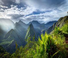 La Réunion, des neiges à la fournaise. A wonderful landscape and different in the island. http://www.reunionisland.net/piton-des-neiges