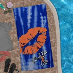 "Florida Gators Smoochie Beach Towel, says ""I only kiss Florida guys"" fabulous summer essential for Gator ladies!"