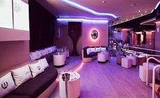 FInd out which are the top 15 best clubs in Barcelona. Top of the best clubs in Barcelona in Where to party in Barcelona in Night Club, Night Life, Pink Park, Barcelona, Gentlemans Club, Party Scene, Best Club, Lounge Design, Glow Party