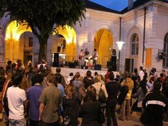 La fête la Musique arrive à grand pas ! Célébrée annuellement le 21 juin, c'est une occasion pour les artistes et les mélomanes de partager des moments de plaisir