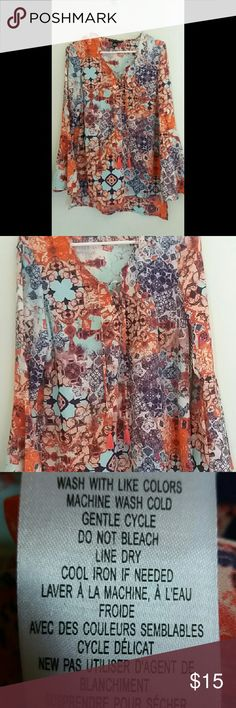 Como Black Blouse A very colorful blouse. Perfect for all seasons. Light fabric. Long sleeves. Flowy feel. Tops Blouses