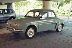 Renault Dauphine .kaiser made these in Argentina.