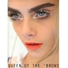 #Queen of 'brows #CaraDelevingne never fails to disappoint with her beauty looks! Of course, she has on hand MUA's but we think she's a natural beauty even without!