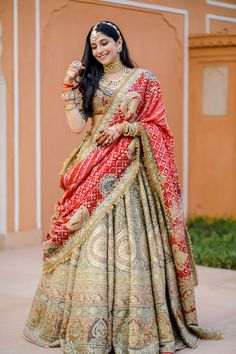 Indian Bridal Outfits, Indian Bridal Fashion, Indian Bridal Wear, Indian Gowns Dresses, Indian Fashion Dresses, Indian Designer Outfits, Fashion Outfits, Wedding Lehenga Designs, Bridal Lehenga Collection