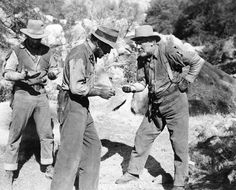 Bogart with Tim Holt and Walter Huston - The Treasure of the Sierra Madre Old Hollywood Movies, Hollywood Stars, Classic Hollywood, Bogart And Bacall, Humphrey Bogart, Old Movies, Great Movies, Westerns, Male Movie Stars