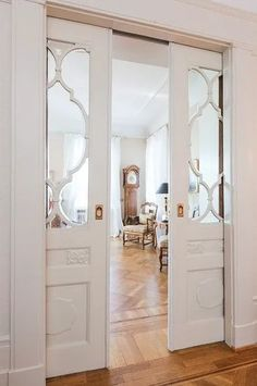 Interior Doors 101 - how to choose the right interior doors Sliding Door Design, Sliding Doors, Floating, Room Doors, Interior Barn Doors, Farmhouse Interior Doors, Interior Design Living Room, New Homes, House Design