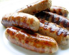 British Bangers Old Fashioned English Spiced Pork and Herb Sausages or Bangers!Old Fashioned English Spiced Pork and Herb Sausages or Bangers! Homemade Sausage Recipes, Pork Recipes, Cooking Recipes, Irish Recipes, Sauce Pour Porc, Home Made Sausage, Simply Yummy, How To Make Sausage, Sausage Making