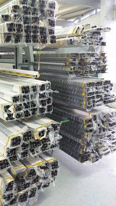 Η εταιρία Simpas δραστηριοποιείται στην επεξεργασία υαλοπινάκων καθώς και στην κατασκευή ενεργειακών κουφωμάτων. Η έδρα της βρίσκεται στην Αμπελιά Ιωαννίνων, ενώ λειτουργεί εκθεσιακός χώρος στο κέντρο των Ιωαννίνων. www.simpas.gr Photo Wall, Frame, Home Decor, Picture Frame, Photograph, Frames, A Frame, Interior Design, Home Interiors