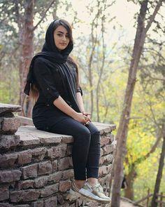 Arab Girls Hijab, Girl Hijab, Muslim Girls, Iranian Beauty, Muslim Beauty, Beautiful Muslim Women, Beautiful Hijab, Arabian Beauty Women, Persian Beauties