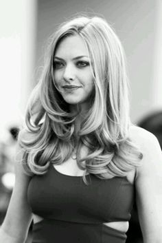 Amanda Seyfried // HAIR!