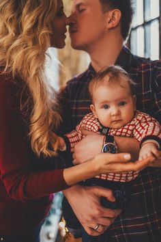 33 ideas for baby photography family bebe Family Photo Sessions, Family Posing, Christmas Photography, Family Photography, Family Photos With Baby, Family Christmas Pictures, Foto Baby, Cute Family, Newborn Photos