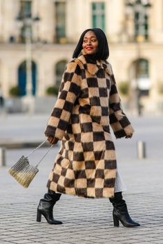 The History of Checkered Prints, Instagram's Biggest Trend Knit Fashion, Fashion Looks, Style Fashion, Fashion Ideas, Fashion Inspiration, Winter Wear, Autumn Winter Fashion, Winter Style, Warm Outfits