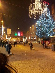 Rimini Christmas Square 28 novembre – 10 gennaio Rimini – Piazza Cavour e Arco d'Augusto  http://capodanno.riminiturismo.it/event/rimini-christmas-square/