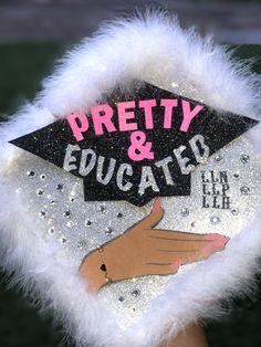 Graduation Cap Toppers, Graduation Cap Designs, Graduation Cap Decoration, Graduation Diy, Grad Cap, Girl Graduation Pictures, Graduation Picture Poses, Graduation Photoshoot, Cap Decorations