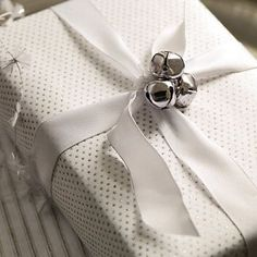jingle bell wrapping - would feel so festive hearing them move around the room! Present Wrapping, Creative Gift Wrapping, Creative Gifts, Wrapping Ideas, All Things Christmas, Christmas Holidays, Christmas Crafts, Christmas Decorations, Christmas Mantles
