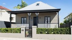 Old Brisbane West End workers' cottage turned award-winning home for sale Country House Colors, Cottage Paint Colors, Old Country Houses, Exterior Paint Colors For House, Old Farm Houses, Paint Colors For Home, Colonial Cottage, Old Cottage, Cottage Exterior