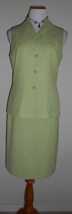 32.21$  Buy now - http://vislp.justgood.pw/vig/item.php?t=zs6aye4587 - Kasper A.S.L Skirt Suit. Pristine condition. Size 8.Spectacular buttons. RN50510
