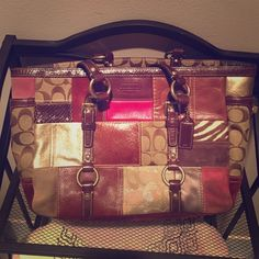 Coach Tote - Large, Authentic, & great condition! This is a classic multi-pattern coach tote in great shape. Perfect for those days when you're carrying a bunch with you to school/work. Coach Bags Totes