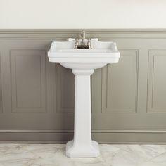 33 modern vintage bathroom decor designs & ideas 9 ⋆ All About Home Decor Modern Vintage Bathroom, Vintage Tub, Bathroom Spa, Bathroom Faucets, Bathroom Ideas, Bathroom Designs, Pedestal Sink Bathroom, Bathroom Sink Cabinets