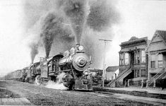 Southern Pacific train running on Harrison Street near 21st, 1905.  Photo: San Francisco History Center, SF Public Library