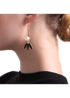 6.62$  Watch now - http://di3fb.justgood.pw/go.php?t=161578 - Tassel Design Faux Pearl Decorated Metal Earrings