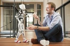new robot called Poppy is helping a team of French researchers study bipedal walking and human-robot interaction. A new robot called Poppy is helping a team of French researchers study bipedal walking and human-robot interaction. 3d Printing News, 3d Printing Industry, 3d Printing Service, 3d Printing Technology, Robot Humanoïde, Robot Kits, 3d Printed Robot, 3d Printed Objects, Impression 3d