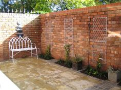 Gartenmauer aus Ziegelsteinen selber bauen - Anleitung