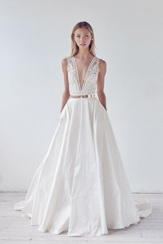 Looking for the best designer wedding dresses online? Suzanne Harward is Australia's leading designer in stunning lace & couture bridal dresses. Designer Wedding Dresses, Bridal Dresses, Wedding Bride, Wedding Gowns, Dream Wedding, Suzanne Harward, Gown Photos, Wedding Day Inspiration, Wedding Ideas