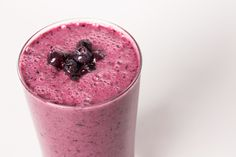 What could be better than fruit and chocolate in a morning smoothie? A bit of bee pollen, of course, to give a mild flowery undertone. The rich purple color of this tasty smoothie comes from anthocyanins, the antioxidants abundantly found in maqui berry. Loaded with vitamins and minerals, this smoothie is nutritious and delicious!  Raw, Vegan, Non-GMO, Gluten Free, Organic