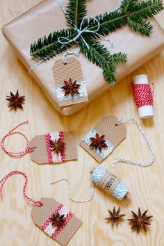 DIY: Easy Peasy gift tag with anise stars Everything and Other: DIY: Easy Peasy gift tag with anise stars anise DIY diybasteln diybedroom diychristmas diydekoration diyeasy diygeschenke diyjewelry diymanualidades Easy gift peasy stars tag - cakerecip Gift Wrapping Bows, Christmas Gift Wrapping, Christmas Tag, Simple Christmas, Christmas Crafts, Wrapping Papers, Christmas Items, Wrapping Ideas, Diy Father's Day Gifts