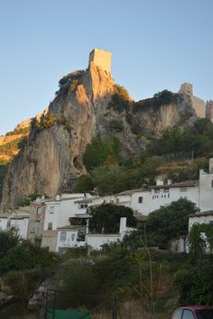 Andalucia Explorer: Monday Morning Photo - La Iruela Castle